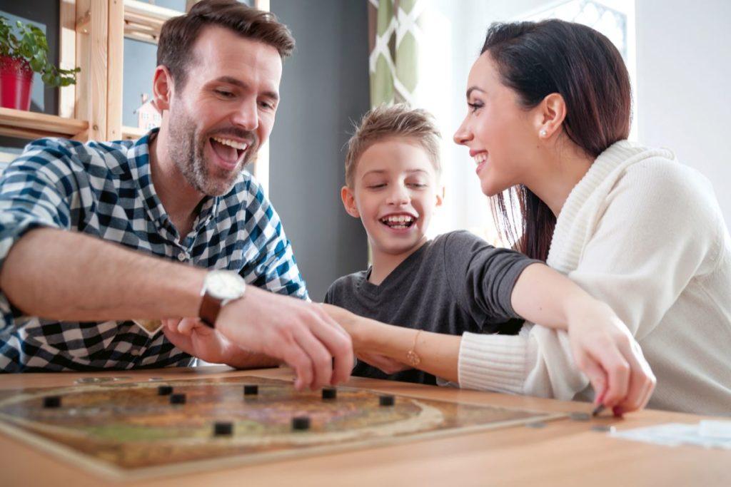 fun-family-games-hamper